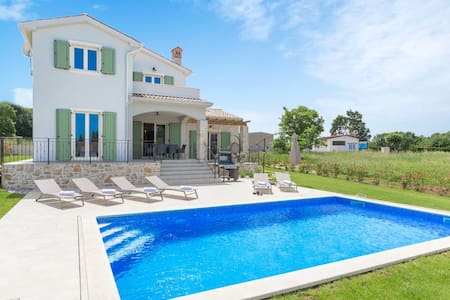 Modern furnished Villa Bartol with pool