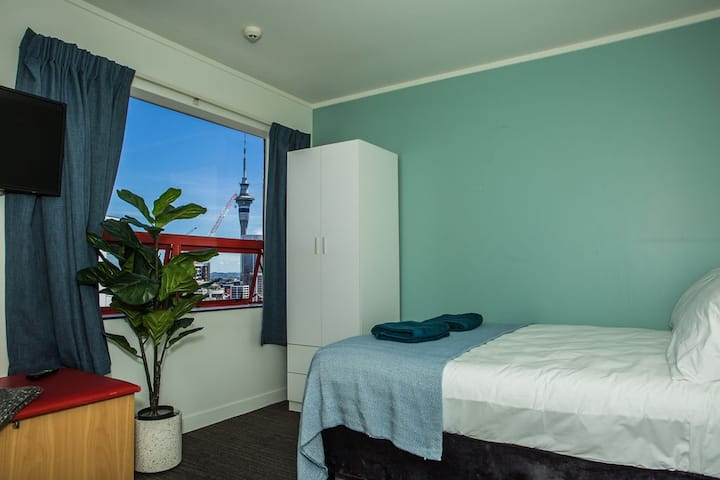 **Single Ensuite Auckland CDB**