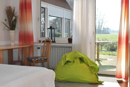 Sunny double room in coutry side - Harsewinkel - 獨棟