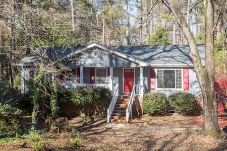 Spacious & Bright Entire Floor- 10 minutes to UNC! - Chapel Hill - Hus