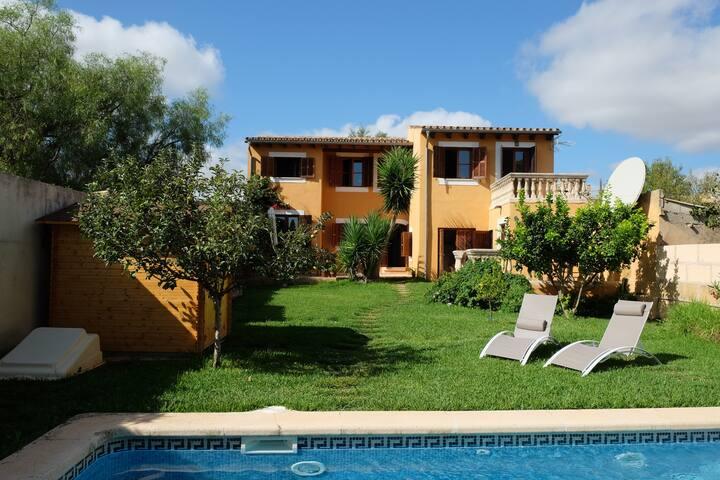 Villa con encanto a 12km de Palma con piscina