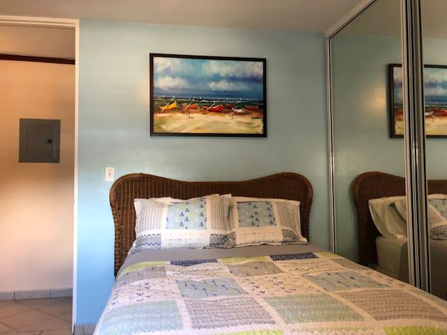 2nd bedroom - full bed