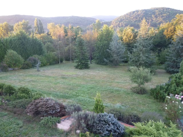 Suite-calm, restful place in unspoiled nature/pool - Montbrun-Bocage - Guesthouse