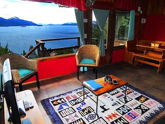 Bariloche, cabañas en Llao LLao - Vista al lago.