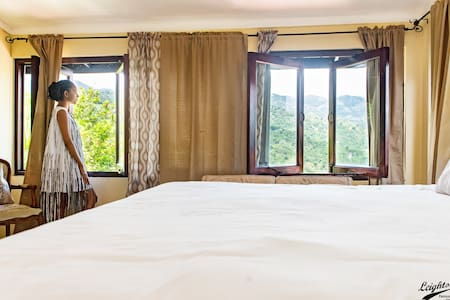 ♥ 4BR Skyline Drive w/WiFi Reggae Legends Villa ♥