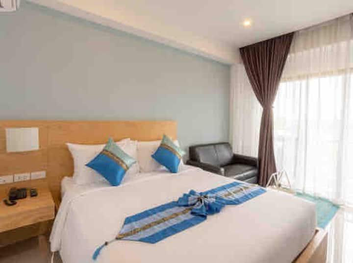 ROOM Lanna  Hotel  โรงแรม รูม ลานนา ซอย7