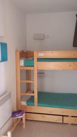 coin montage avec lits superposés