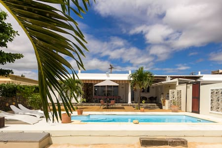 SEASIDE HOUSE & PRIVATE POOL - Baie du Tombeau