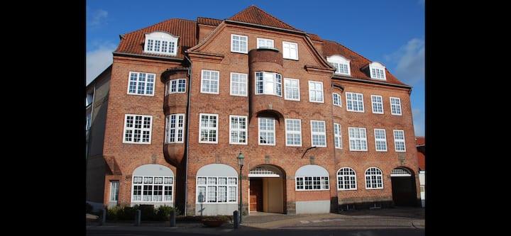 Værelse med køkken bad og toilet i Viborg midtby!