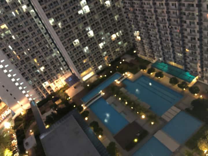 Serviced Condo Hotel Makati