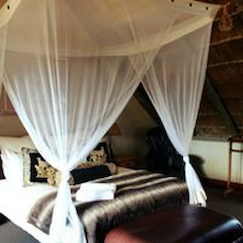 Lombardini Guest Room 2