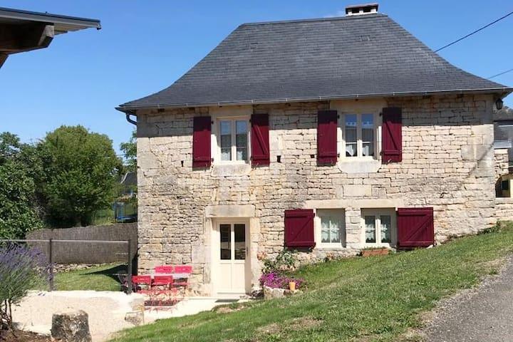 Gite en Corrèze - la Maison des Gardes - 3 épis