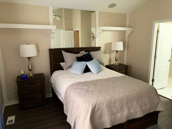 Luxury Condo - 5 mins from Kings Island and I-71