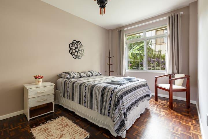 Cozy & Clean 2 Bedroom