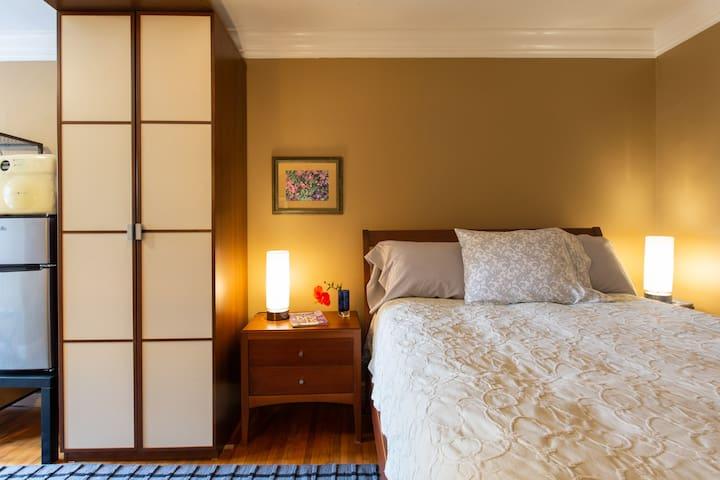 Mar Vista Suite of Private Entry,Patio & Spa Bath
