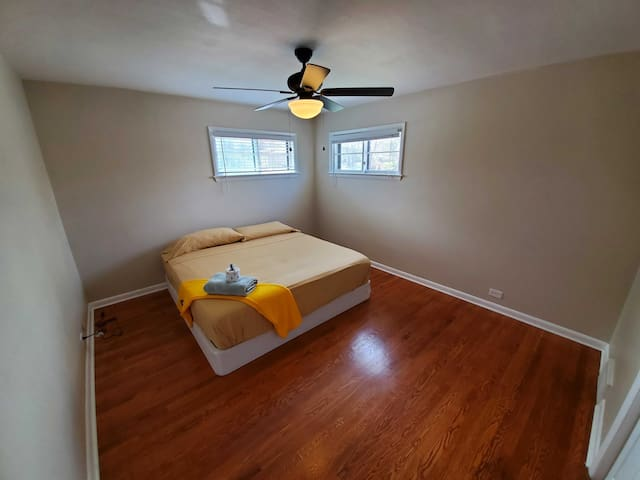 Cool, Grand Private Room in ~420 Friendly~ Home