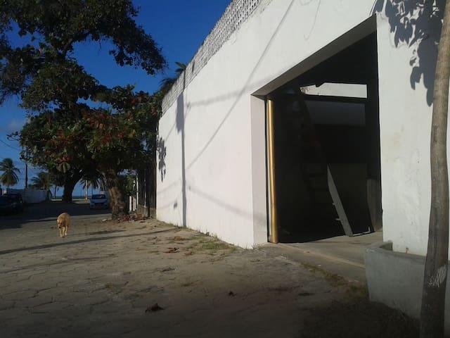 Casa simples na praia de Cabo Branco 3 quartos