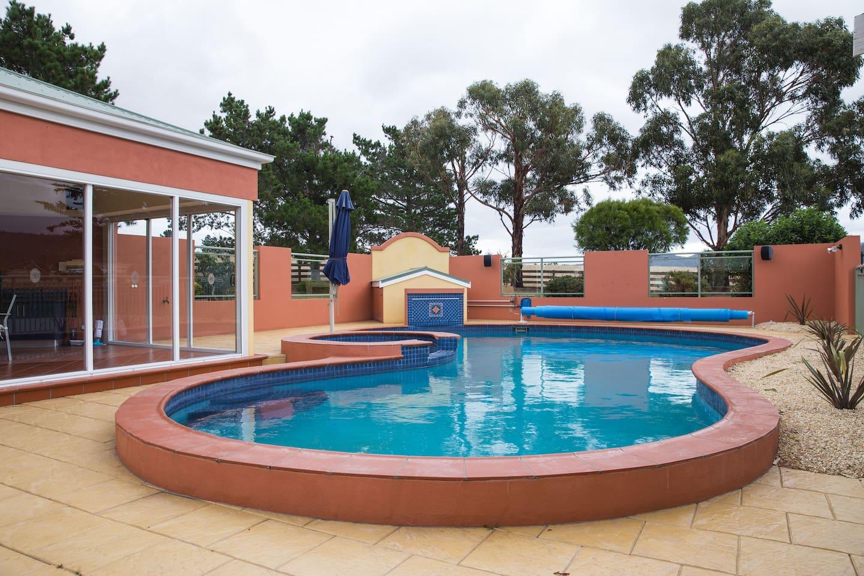 Fantastic large pool area