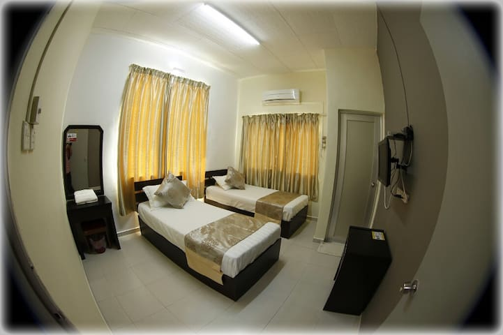 Warni Villa 45 (Room D) Sg.Abong, Muar