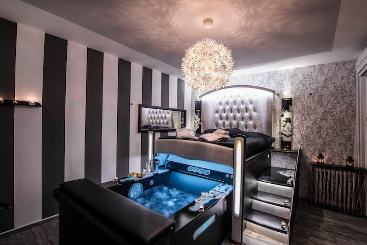 ROMA D'AMORE - Suite con idromassaggio e sauna