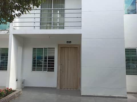 Habitación en casa familiar a 5minutos el terminal