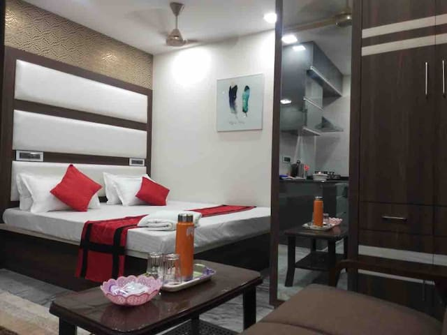 Studio at Central Kolkata, Wellington |New Market