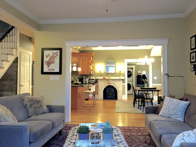 3BR, Parking for 2 Cars - Somerville - House