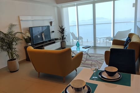 Great 1 Bedroom Unit Overlooking the Panama Canal