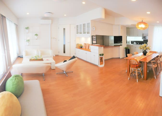 140㎡, Entire Apt! Extremely Huge & Elegant Suite!