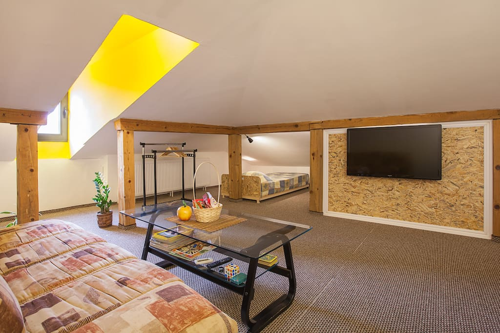 """Spacious living room with 42"""" LCD Cable TV. More than 80 digital and analog channels available."""