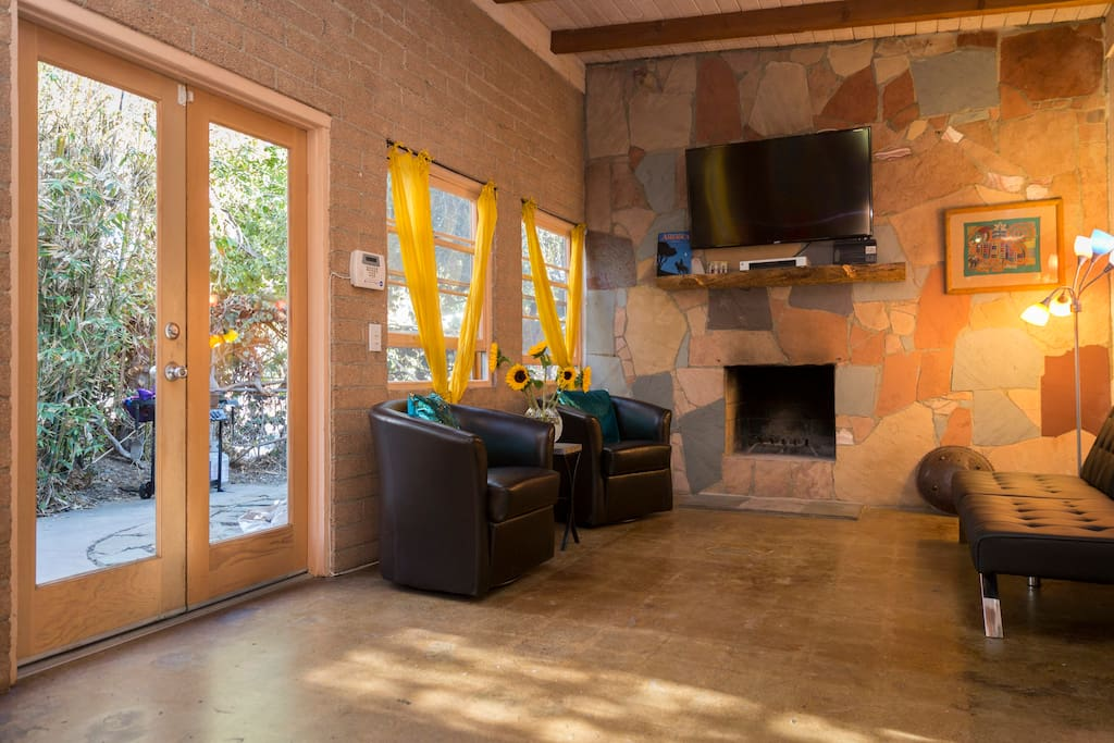 Venice Beach 2 Bed House Recently Renovated Bungalows For Rent In Los Angeles California