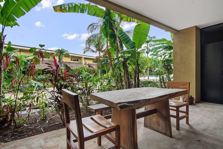 Tasteful Condo within mins to  White Sand Beaches
