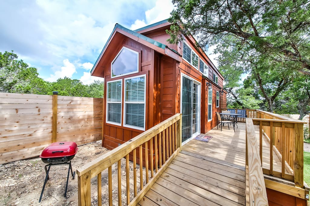Texas hill country cabin s with pool view cabins for for Texas hill country cabin