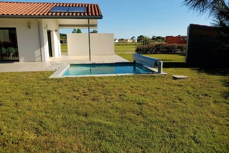 Nice villa with 16 m2 pool, on edge of the forest