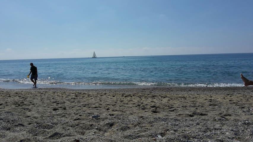 Borgio Verezzi vicinissimo al mare - Borgio