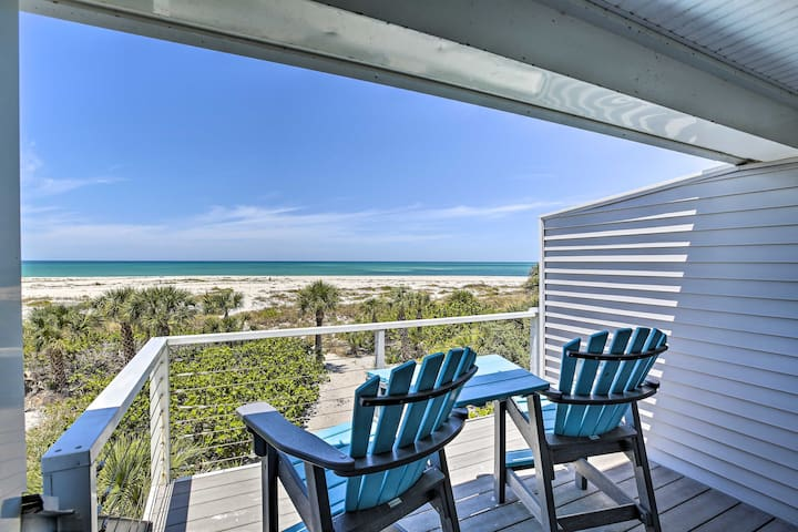 NEW! Beachfront Upper Captiva Condo w/Sunset View!
