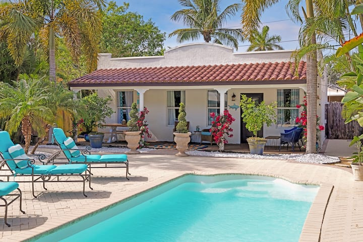 Private, Gated  - 3/2 w/Pool - Only 1mi to Beaches