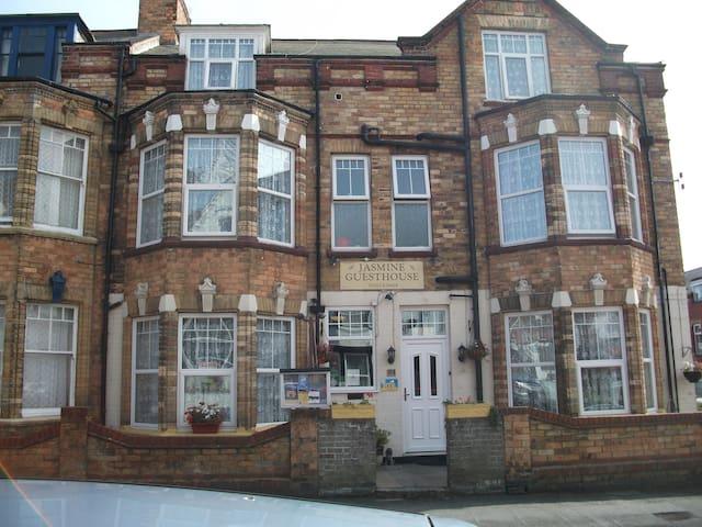 Jasmine Guest House - Bridlington - Bed & Breakfast