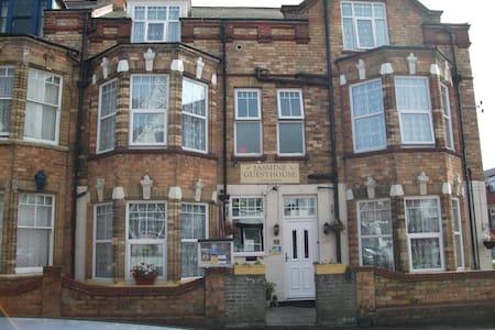 Jasmine Guest House - Bridlington