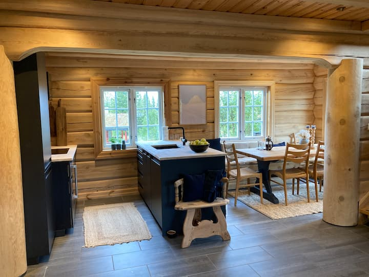 Comfy Log Chalet - ski in/out Trysil