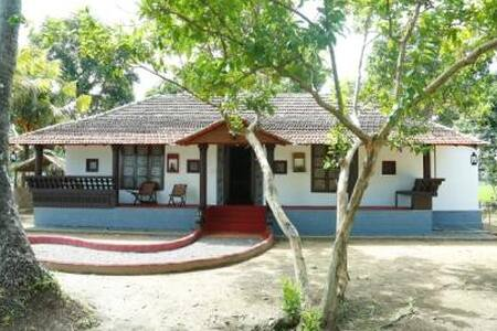 LAKE VIEW AROGYA HOME STAY
