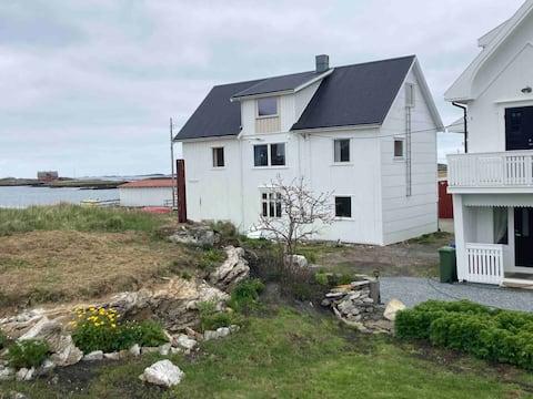 Gustavhuset i vakre og spektakulære Røst i Lofoten