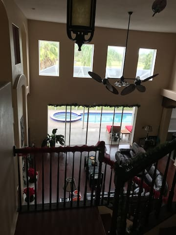 Golf course home in New Tampa (A) - Tampa
