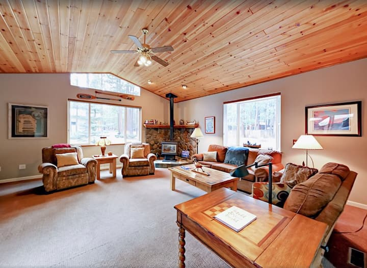 Spacious, Private & Cozy Home in South Lake Tahoe