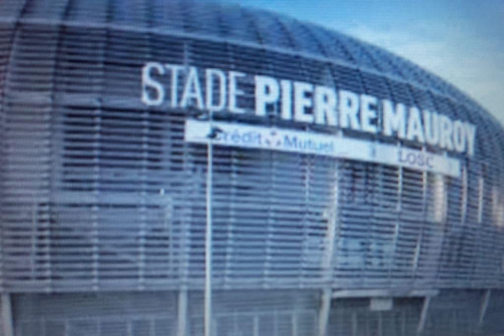 Le Grand Stade  POUR LES CONCERTS, LE SPORT....on laisse la voiture en toute sécurité  devant le logement et en 10 mn de marche on y est !