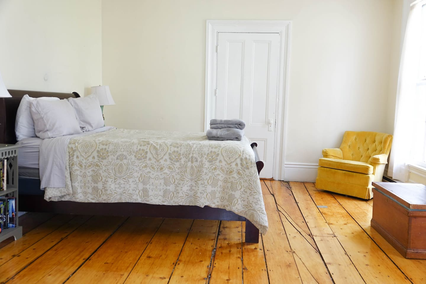 slay bed with new queen sized pillow top mattress