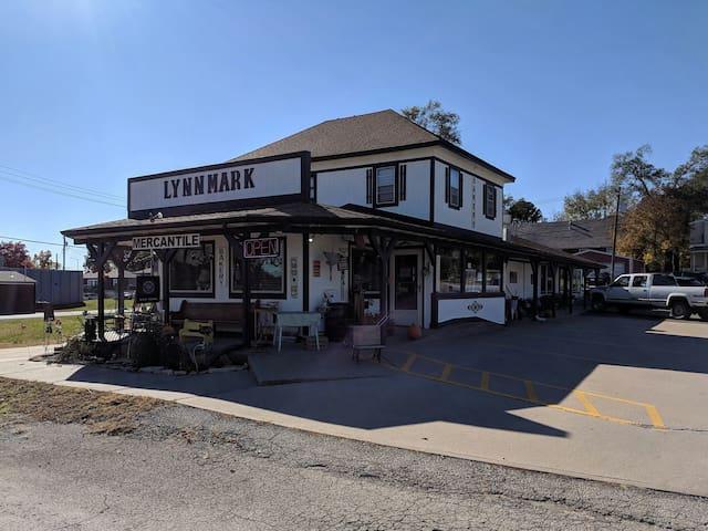 Lynnmark Hideaway