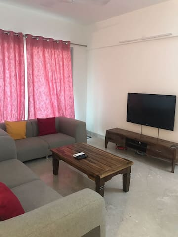 Private Room in Goregaon (E) - Mumbai - Apartment