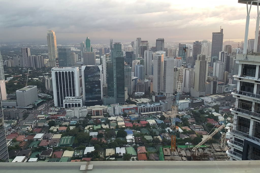 Fantastic view from the roof deck at 65th floor, the second tallest building in the whole Philippines