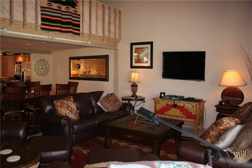Couch, Furniture, Entertainment Center, Home Theater, Screen
